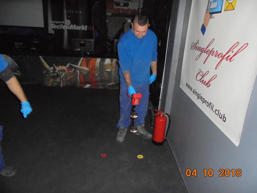 Ortung von Rohrleitungsverlauf und Abwasserschacht im Gebäude.